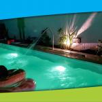natatorio climatizado con niños jugando